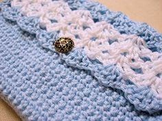 crocheted clutch bag with fan stitch front