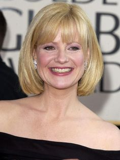 Vintage Hairstyles With Bangs 61 Bob Hairstyles - Pictures of Bob Haircuts - Good Housekeeping\A real classic - This classic cropped style will flatter your face shape. Bob Haircut With Bangs, Bob Hairstyles With Bangs, Hairstyles Haircuts, Vintage Hairstyles, Bob Haircuts, Hairstyles Pictures, Hairstyle Pics, Classy Hairstyles, Beautiful Hairstyles