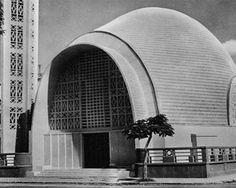 Ste-Therese, Port-Said (Égypte), architecte: Naoum Shebib: En 1948, c'est à titre d'architecte, d'ingénieur en structure et d'entrepreneur que Naoum Shebib a conçu et construit l'église Sainte-Thérèse de la communauté chrétienne maronite.