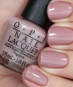 Fascinating light pink nail polish from OPI Faszinierender hellrosa Nagellack von OPI Light Pink Nail Polish, Nail Polish Colors, Pink Polish, Toe Nail Polish, Diy Nails Manicure, Toe Nails, Ongles Roses Clairs, Nails First, Classy Nails