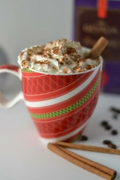 Warm up on a cold winter day with these recipes for Slow Cooker Holiday Lattes! Which one is your favorite? #CrockPot #SlowCooker #drink