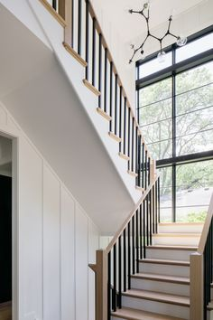 White Oak Staircase Staircase Modern Farmhouse Stairway Balusters in Sherwin Williams SW 6258 Tricorn Black White Oak Staircase Staircase Balusters in Sherwin Williams SW 6258 Tricorn Black White Oak Staircase Staircase Balusters in Sherwin Williams SW 6258 Tricorn Black #WhiteOak Staircase #Staircase #Balusters #SherwinWilliamsTricornBlack #WhiteOakStaircase #Staircase #ModernFarmhouse Door Paint Colors, Kitchen Paint Colors, Modern Farmhouse, Farmhouse Style, Wood Interiors, House Interiors, Interior Stairs, Ship Lap Walls, Stair Railing