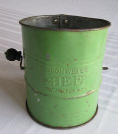 30's Green Bromwell's Bee Flour Sifter by VandasVintage on Etsy, $16.50