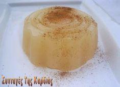 Λαχταριστή κρέμα με άρωμα μήλου και κανέλας. Την συνταγή ανακάλυψα στις Γλυκές Ιστορίες του Παρλιάρου και ήταν αυτή που μου έκανε το μεγαλ...