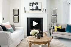 Tour a bright black-and-white family home! See the striking interior by Caroline Bouffard. Interior Design Website, Home Interior Design, Modern Interior, Industrial Interiors, Rustic Interiors, Style Deco, Diy Home Decor On A Budget, Cafe Interior, Small Spaces