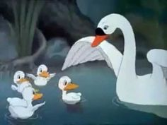 You know that stark sense of injustice you feel when you hear the story of the Ugly Duckling? The Ugly Duckling - Silly Symphony Walt Disney 1939 Old Disney, Vintage Disney, Disney Magic, Classic Cartoons, Cool Cartoons, Disney Cartoons, Pixar Movies, Disney Movies, Ugly Duckling