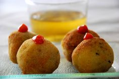 BOMBAS PICANTES DE PATATAS Ras El Hanout, Tapas Bar, Barbacoa, Canapes, Holidays And Events, Spicy, Sandwiches, Muffin, Food And Drink