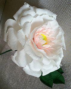 Giant Single paper flower for Bridesmaids Pink paper peonies Large Peonies Giant paper peony Big Paper flowers Big paper peonies single #Pink #Wedding #PinkWedding #Paper