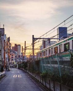 "tokyotuisku: ""Sunset train ( Komagome, Tokyo ) Instagram: https://www.instagram.com/tokyonieve/ """