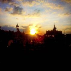 Sunset over the King's Palace, Phnom Penh, Siem Reap, Cambodia. Photographer - Karl Levy