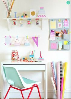 Really cute idea for a craft or teen room. Really cute idea for a craft or teen room. The post Really cute idea for a craft or teen room. appeared first on Decor Ideas. Kids Desk Space, Study Space, Kids Workspace, Study Nook, Craft Station, Tumblr Rooms, Ideas Para Organizar, Desk Areas, The Design Files