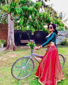 Piumi Hansamali (@queenpiumi) • Instagram photos and videos Indian Film Actress, Indian Girls, Actress Photos, Sri Lanka, Actresses, Photo And Video, Instagram Posts, Skirts, Swag