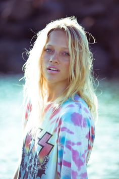 true beach look.hair down and no makeup Messy Blonde Hair, Beach Hair, Beach Bum, Beach Blonde, Beach Look, Messy Hairstyles, Dress To Impress, Beautiful People, Pretty People