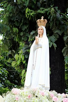 - Intramuros Grand Marian Procession 2014 - December 2014 - Intramuros, Manila **Please observe courtesy when using my photos for any purpose. Mother Mary Pictures, God Bless Us All, Intramuros, Queen Of Heaven, Blessed Virgin Mary, Jesus Cristo, Mothers Love, God Is Good, Portugal