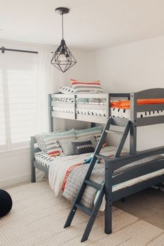 Space Saving Bunk Beds For Small Rooms You Need To Copy In 2019 bunk bed ideas, sharing bedroom ideas, shared bedrooms, space saving room ideas Shared Boys Rooms, Bunk Beds For Boys Room, Bunk Bed Rooms, Beds For Small Rooms, Big Boy Bedrooms, Bunk Beds With Stairs, Shared Bedrooms, Twin Room, Kids Bedroom