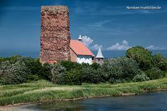 """Die """"Grote Mandränke"""" im Januar 1362 veränderte die Landschaft imNordfriesischen Wattenmeer gravierend. Dabei versank der bis heute sagenumwobene Hafenort Runghold und es entstand die große Insel …"""