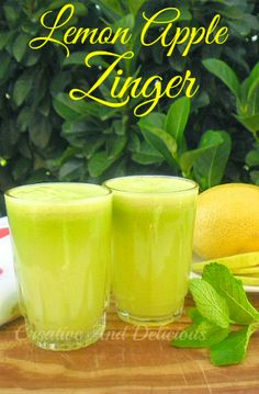 Lemon Apple Zinger {3 Apples, Green 1 15cm piece cucumber 1 2cm piece Ginger 1 Lemon 1 Mint, Leaves}