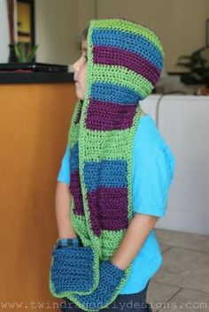 Dragonfly Designs: Crochet Hooded Scarf Pattern. Oooh cozy. by penquest