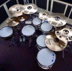 2 tons, 2 surdos e 2 caixas. Pratos, Sabian. Peles Evans! Acesse: www.BlogDoBaterista.com.br   #blogdobaterista #drums