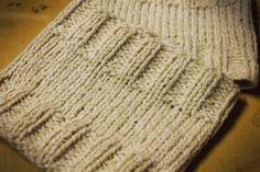 Knitted boot cuffs-Free pattern