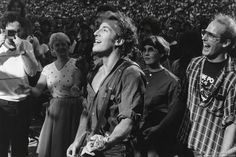 Happy Mondays all you brilliant #BruceBuds hope yours is a magical one :) http://Brucebuds.com