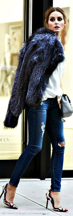 olivia palermo. skinny leg. medium blue. jeans. ripped. white blouse. high heels. pumps. fur coat. cross body bag.