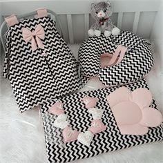 Modastra Siyah Beyaz Zigzag Desenli Puset Örtüsü Alt açma ve Emzirme Yastıklı Set