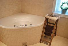 Drømmeverden interiør: Interiørblogg, interiør nettbutikk og husbygger.: Villa Drømmeverden: bad Corner Bathtub, Bathroom, Bath Room, Bathrooms, Bath, Bathing, Bathtub, Toilet