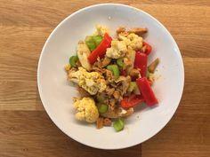 Wok er en klassiker💋 Kylling, blomkål, paprika, nepe og stangselleri. Wok, Woks