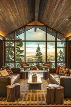 Architecture How Soundproofing Material Works Sound vibrations are transmitted through the air, caus Mountain Home Interiors, Modern Mountain Home, Cabin Interiors, Modern Lodge, Ski Lodge Decor, Chalet Design, Amazing Decor, Cabin Homes, House In The Woods