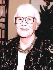 She was born in Alabama. Harper Lee, To Kill A Mockingbird, Alabama, Plays, Authors, Famous People, Literature, Folk, Portrait