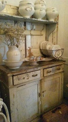 Shabby Chic home decor knowledge reference 6929803454 to attain for one really smashing, bright room. Please press the pin image now for brilliant ideas. Cozinha Shabby Chic, Shabby Chic Kitchen, Shabby Chic Homes, Country Kitchen, Vintage Kitchen, Kitchen Decor, Rustic Kitchen, French Kitchen, Vintage Cabinet