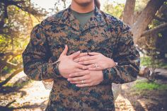 Military Poses | Military Couple | Military Camouflage | Engagement Poses | Creative Poses Couples | Rubidia C Photography