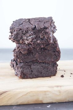 Fudgy black bean brownies | vegan