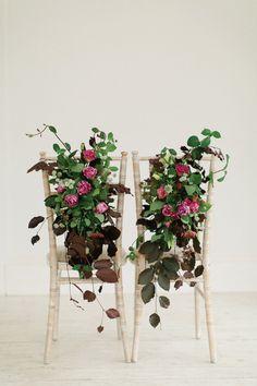 Beautiful minimal botanical shoot at Horetown House by Paula McManus | www.onefabday.com
