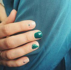 inst: @arina_vader negativenails naturenails leavesnails paintnails dotsnails