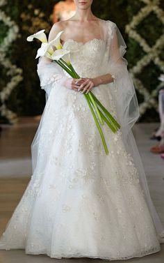 Corded Leaf Lace Sweetheart Gown by OSCAR DE LA RENTA for Preorder on Moda Operandi