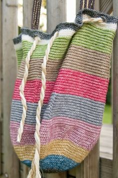 free #crochet striped beach bag pattern by @winkieflash via tangled happy