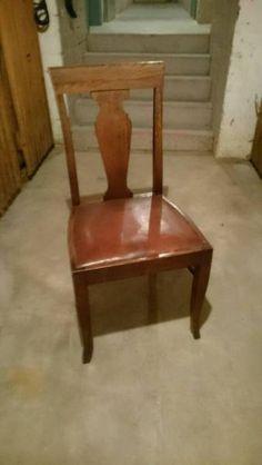 Ich verkaufe hier zwei wunderschöne antike Stühle. Der Zustand ist super, das Holz ist massiv, da wackelt nichts.Nur das Leder des einen Stuhls braucht mal wieder ein bisschen Lederpflege wie auf den Fotos zu erkennen ist. Aber keine Risse o.ä.Beide zusammen für 30€.Abholung in der Mainzer Neustadt.Liebe Grüße!