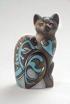 Handmade ceramic cat figurine by De Rosa Collections Uruguay