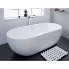 Manhattan Roll Top Bath Victoria Plumb - £499 I would love a long soak in this!!!