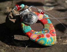 Polymer Clay Pendant, Polymer Clay Projects, Pendant Design, Diy Jewelry Making, Wire Wrapped Jewelry, Sculpting, Washer Necklace, Cuff Bracelets, Pendants