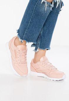 Schoenen Reebok Classic Sneakers laag - rose cloud/white Nude: € 99,95 Bij Zalando (op 10-2-18). Gratis bezorging & retour, snelle levering en veilig betalen!