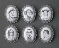 Las Teje y Maneje: PORTRAITS BROOCHES