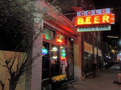 Arnie's Bar
