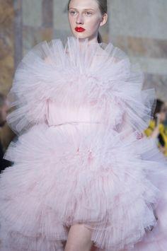Giambattista Valli Fall/Winter 2017-18 Haute Couture!
