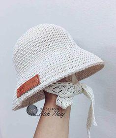 Crochet Hat With Brim, Crochet Summer Hats, Crochet Baby Beanie, Crochet Beanie Pattern, Crochet Flower Patterns, Baby Knitting, Knitted Hats, Knit Crochet, Crochet Hats