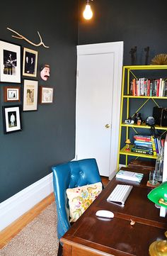 Via Design Sponge Amazing paint color (Farrow and Ball - Studio Green) Workspace Inspiration, Living Room Inspiration, Inspiration Wall, My Living Room, Living Spaces, The Dark Side, Navy Walls, Small Home Offices, Studio Green
