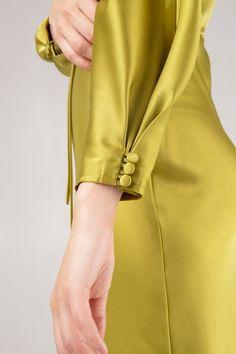 Kurti Sleeves Design, Kurta Neck Design, Sleeves Designs For Dresses, Sleeve Designs, Stylish Dresses For Girls, Stylish Dress Designs, Dressy Dresses, Pakistani Dresses Casual, Pakistani Dress Design