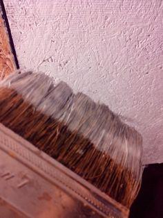 Pintando techo...pucha que chupa...